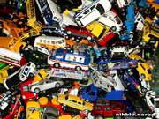 обои для рабочего стола свалка автомобилей,игрушки