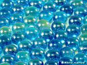 обои стеклянные голубые шарики